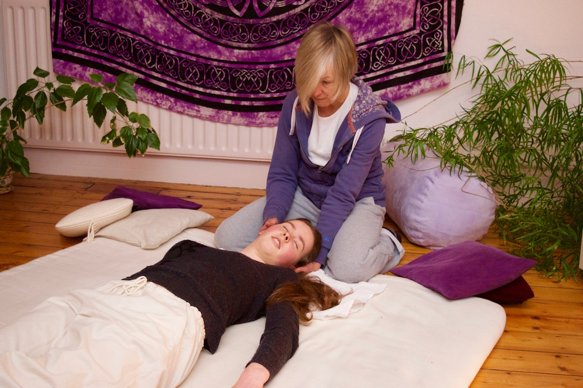 Shiatsu Therapy for head and neck tension